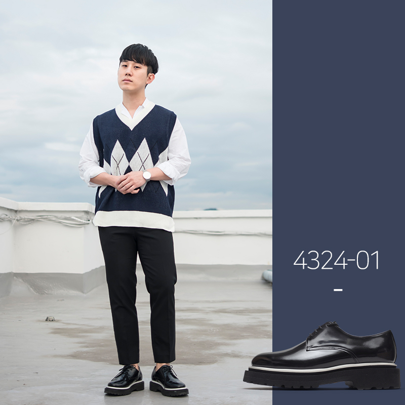 4324-CUS01 / Black CR Box / Vibram 13 / 002
